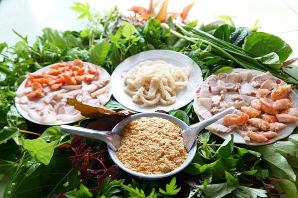 Gỏi lá Kon Tum - đặc sản dân tộc mang đậm hương vị của núi rừng Tây Nguyên